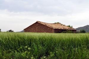 בית אדמה ורנקולרי בספרד