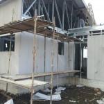 סגירת מעטפת קיר מפגש בין גג רעפים לגג שטוח