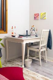 שולחן כתיבה בסגנו כפרי - רומנטי