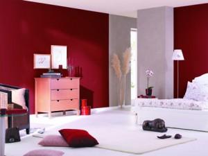 קיר אדום