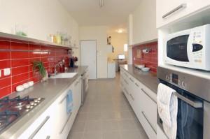 דירת משפחת נוטמן, תכנון מטבח מאורך