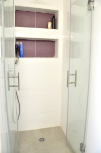 בית משפחת טל-בצר, תא רחצה מקלחת ילדים