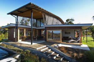 בית מגורים מודרני ממכולות משא