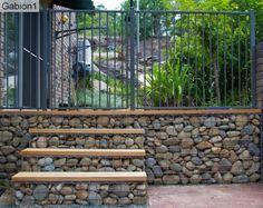 מדרגות מגביון