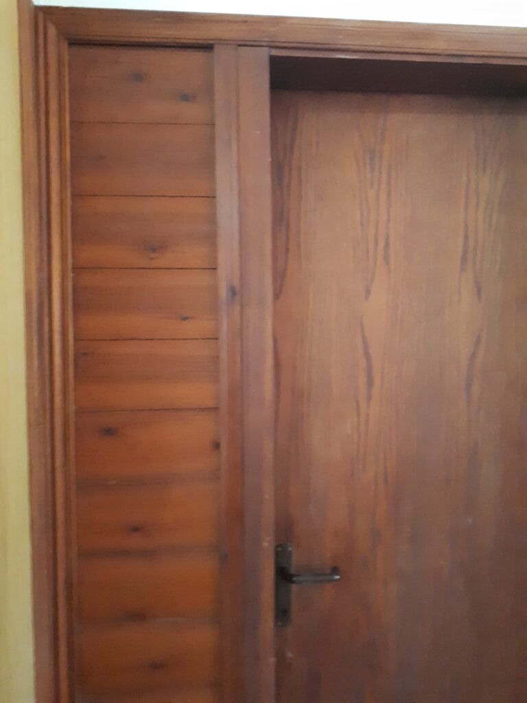 דלתות עץ של פעם
